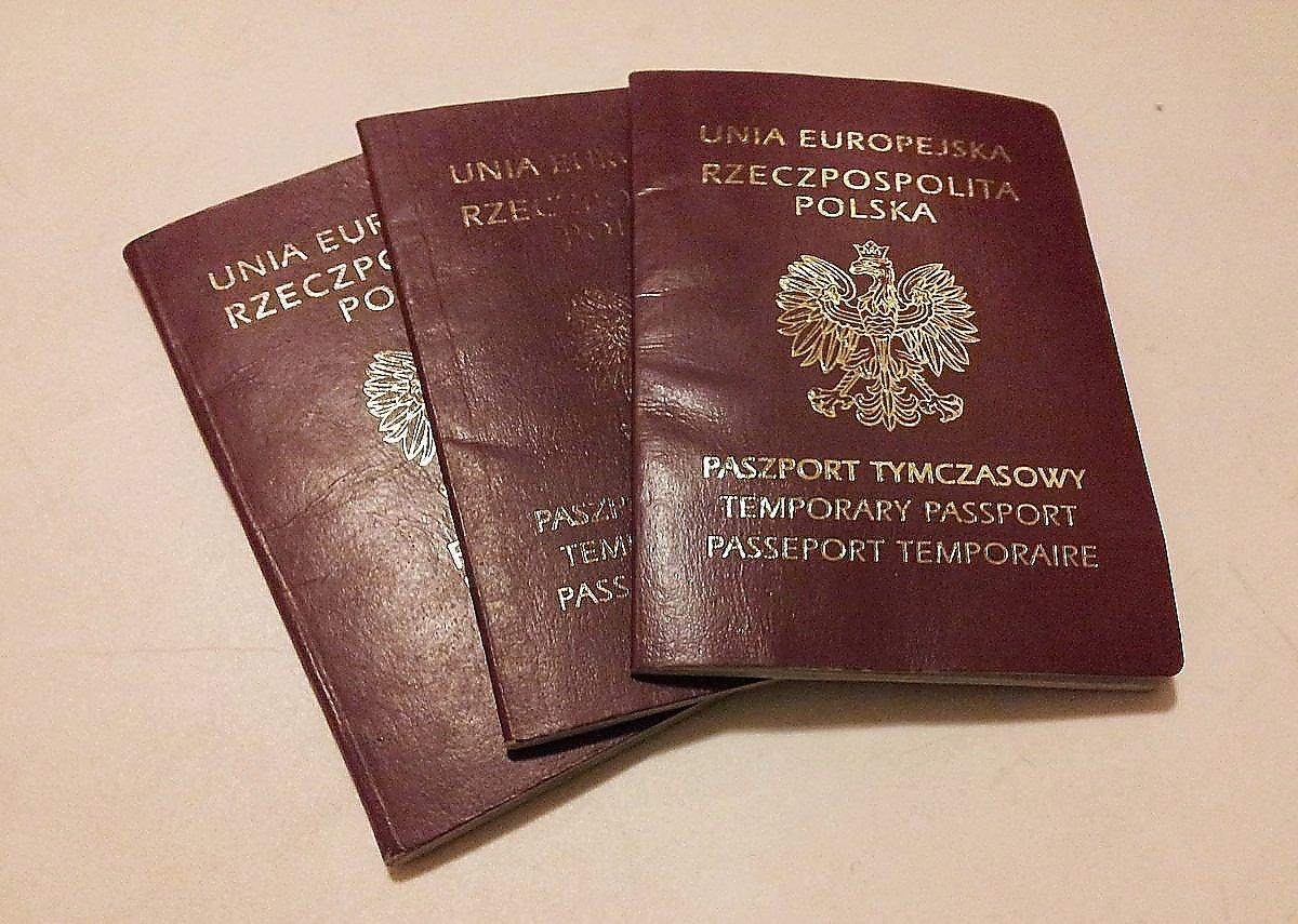 Nowy paszport w podróży
