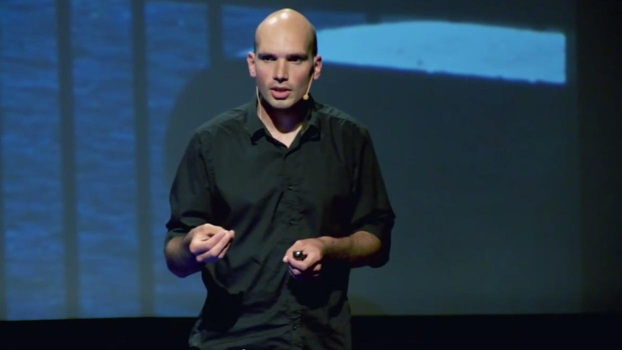 """Podróż. Czym jest? Co daje? Co odbiera? – wystąpienia na TEDx i """"Wachlarzu"""""""