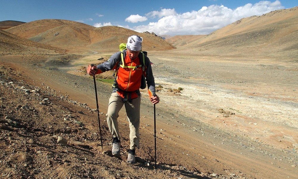 walking zagros mountains traverse